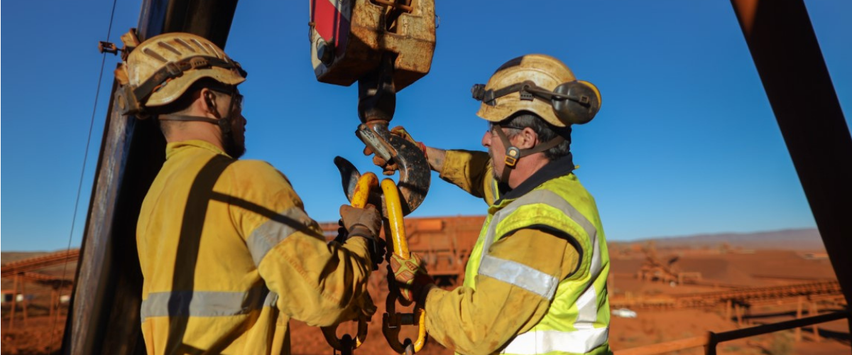 riggers-working-overseas-risks-growing-for-miners-nationalism